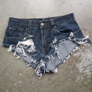 LF extreme furs to destroyed daisy dukes 25